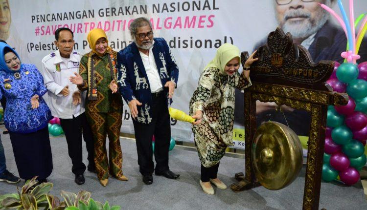 "Ibu Riana ajak ""booming""kan mainan tradisional di Lampung"
