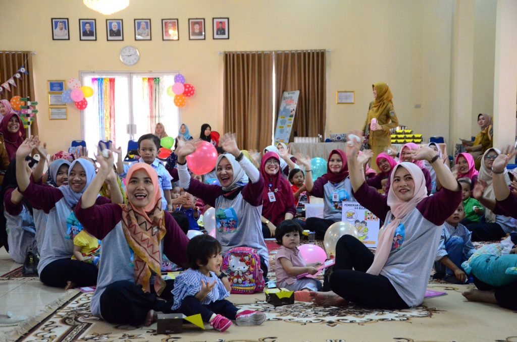 Peserta Kelas Ibu Hami dan Balita Video Conference bersama Menkes RI dalam rangka HKN ke - 55