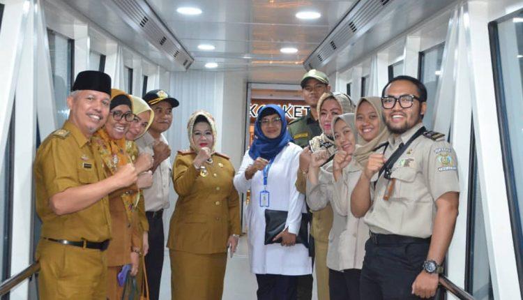 Kadinkes Provinsi Lampung Pantau Area Penyebrangan di Pelabuhan Bakauheni Lampung